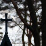 Friedhof-Grunewald-Forst-Grab-Kreuz