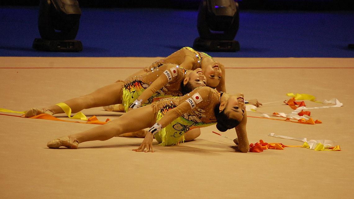 Die japanische Mannschaft gewann das Finale der Berlin Masters RSG in der Disziplin 5 Bänder. (Foto: sccschneider)