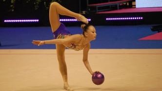 Sabina Ashirbayeva im Finale der Berlin Masters RSG 2016 bei der Disziplin Ball.