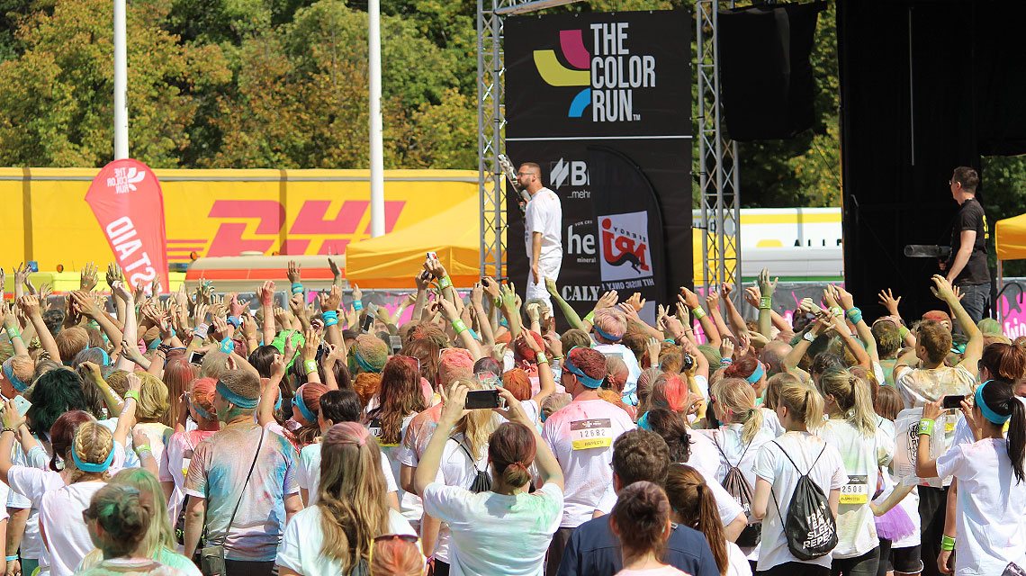 Color-Run-Berlin-Energy-Tribühne